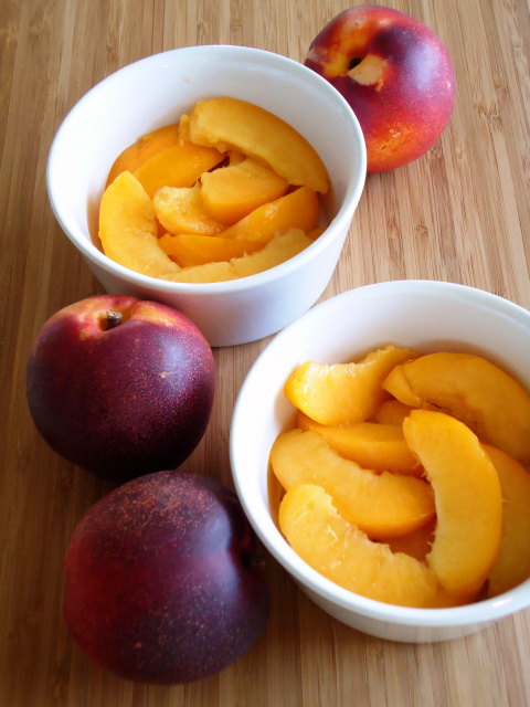 Compassionate Cuisine - Receitas vegetarianas - Crisp de pêssegos para dois