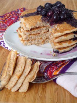 Panquecas com molho de mirtilos - Receita Vegetariana