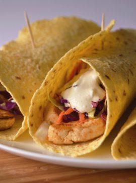 Tacos de tofu, salada de repolho e molho de caju e limão - Receita Vegetariana