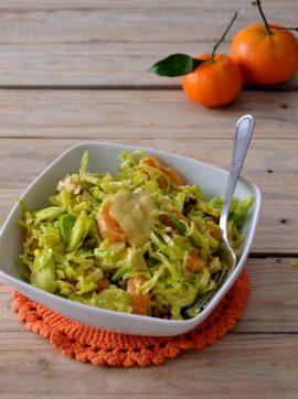 Salada de inverno de couve-bruxelas e tangerina - Receita Vegetariana