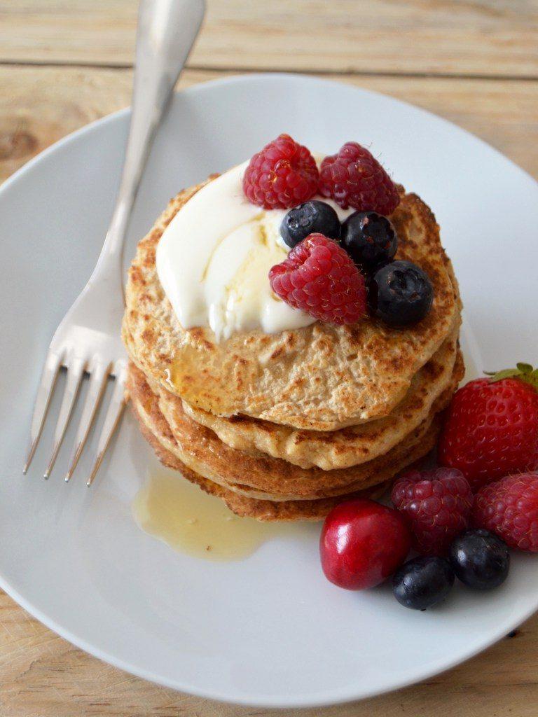 Compassionate Cuisine - Receitas vegetarianas - Panquecas de aveia e iogurte com frutos vermelhos