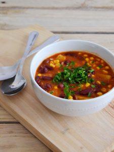Compassionate Cuisine - Receitas vegetarianas - Chili de feijão vermelho, milho e abacaxi