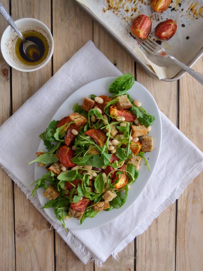 A última salada do Verão: Salada morna de feijão branco e tomate assado