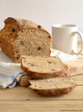 Pão de centeio com nozes e passas - Receita Vegetariana