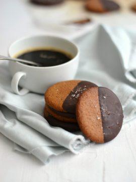 Bolachas de avelã com chocolate - Receita Vegetariana