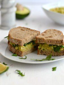 Compassionate Cuisine - Receitas vegetarianas - Sandes de grão e abacate