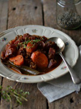 Estufado de lentilhas e beterraba - Receita Vegetariana
