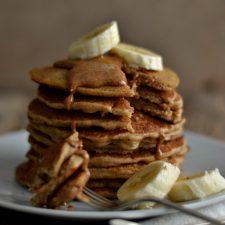 Compassionate Cuisine - Receitas vegetarianas - Panquecas de trigo sarraceno e manteiga de amêndoa