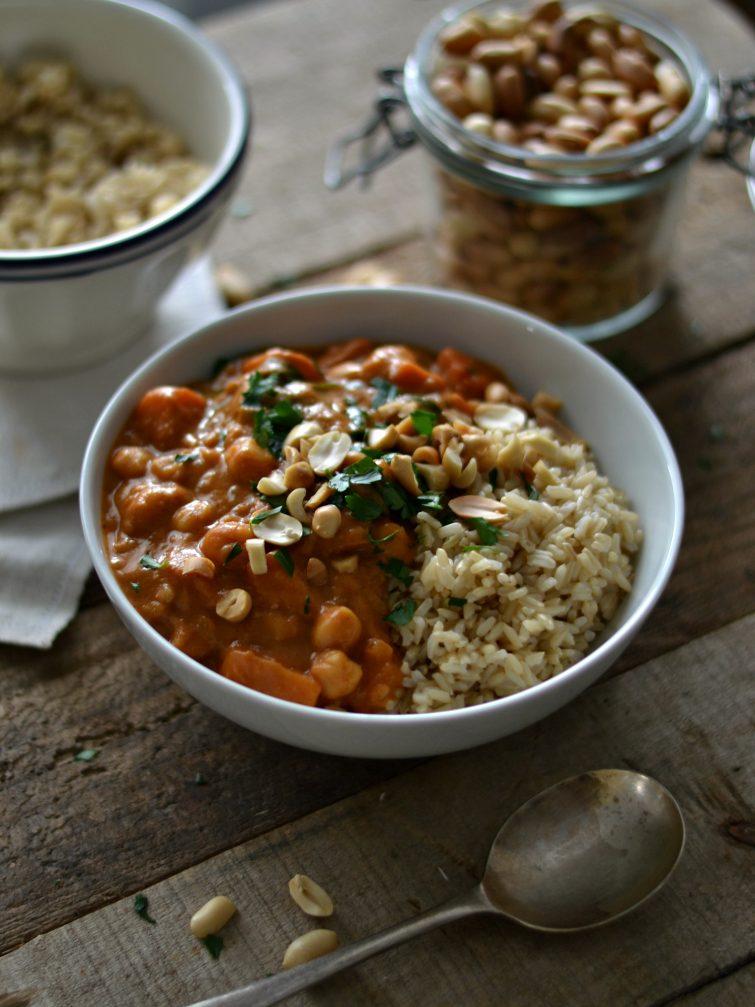 Sabores de África – Estufado de amendoim e batata-doce