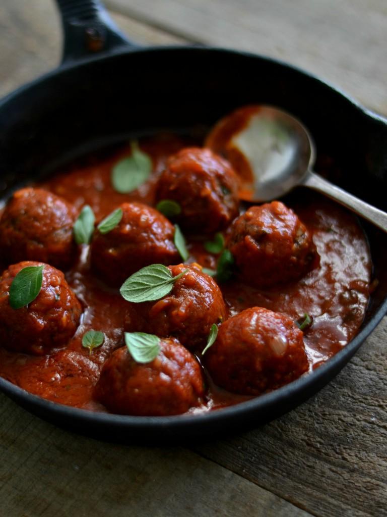 Compassionate Cuisine - Receitas vegetarianas - Almôndegas de lentilhas com molho de tomate
