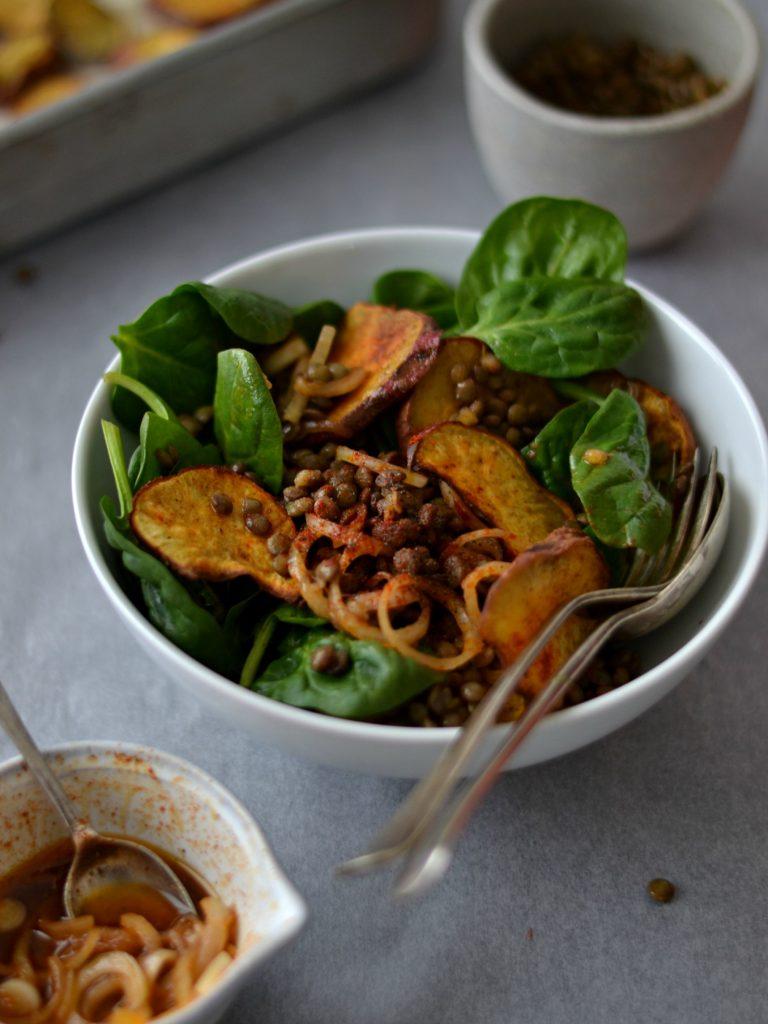 Compassionate Cuisine - Receitas vegetarianas - Salada de lentilhas, batata-doce crocante e paprika