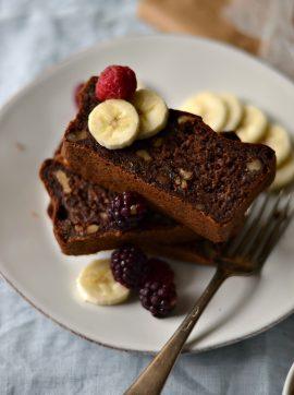 Bolo de Banana, Nozes e Chocolate - Receita Vegetariana