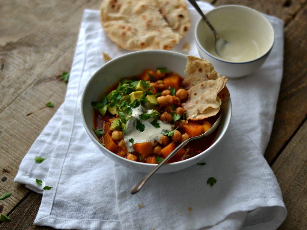 Compassionate Cuisine - Receitas vegetarianas - Estufado de Grão, Abóbora e Sumac + Wraps de Trigo-Sarraceno