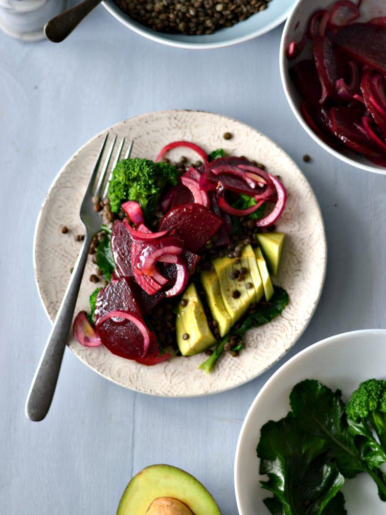 Salada de Beterraba e Cebola Roxa com Lentilhas