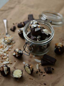 Trufas de Coco e Laranja - Receita Vegetariana