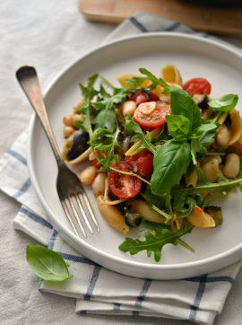 Massa com Feijão Branco, Tomate e Beringela - Receita Vegetariana