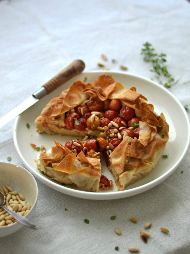 Compassionate Cuisine - Receitas vegetarianas - Tarte de Tomate-Cereja e Húmus