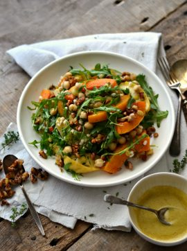 Salada de abóbora e maçã assadas, cevadinha e grão-de-bico - Receita Vegetariana