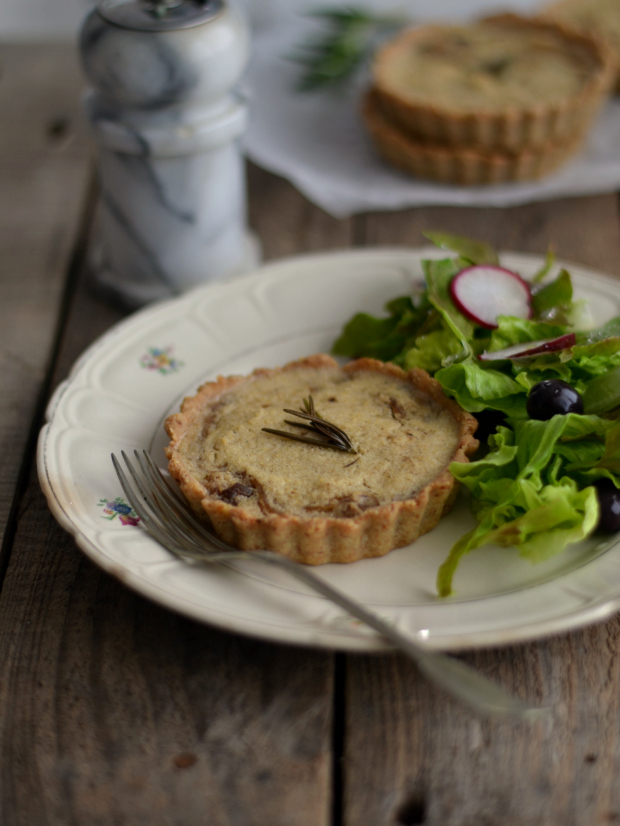 Compassionate Cuisine - Receitas vegetarianas - Quiche de cebola caramelizada