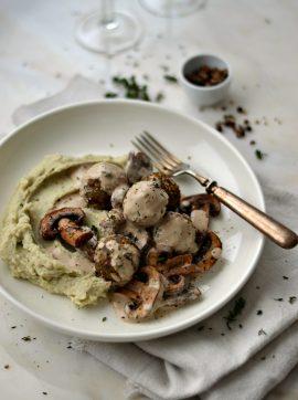 Almôndegas de lentilhas com molho de cogumelos - Receita Vegetariana