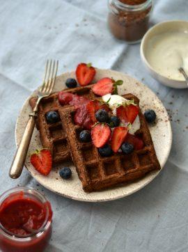 Waffles de cacau e banana - Receita Vegetariana