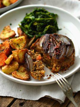 Assado de lentilhas e alheira com chalotas - Receita Vegetariana