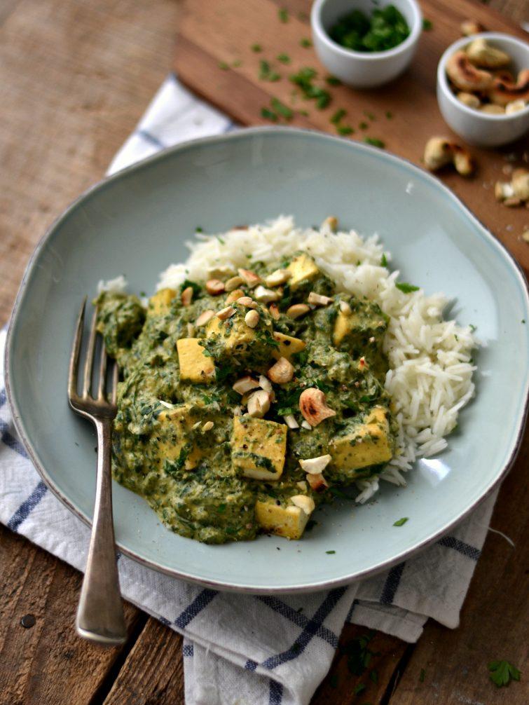 Caril verde de tofu e grelos de nabo