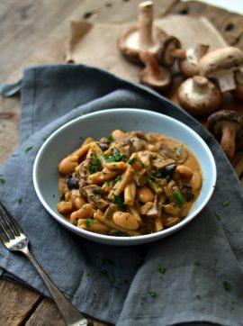 Estufado de massa, cogumelos e feijoca - Receita Vegetariana