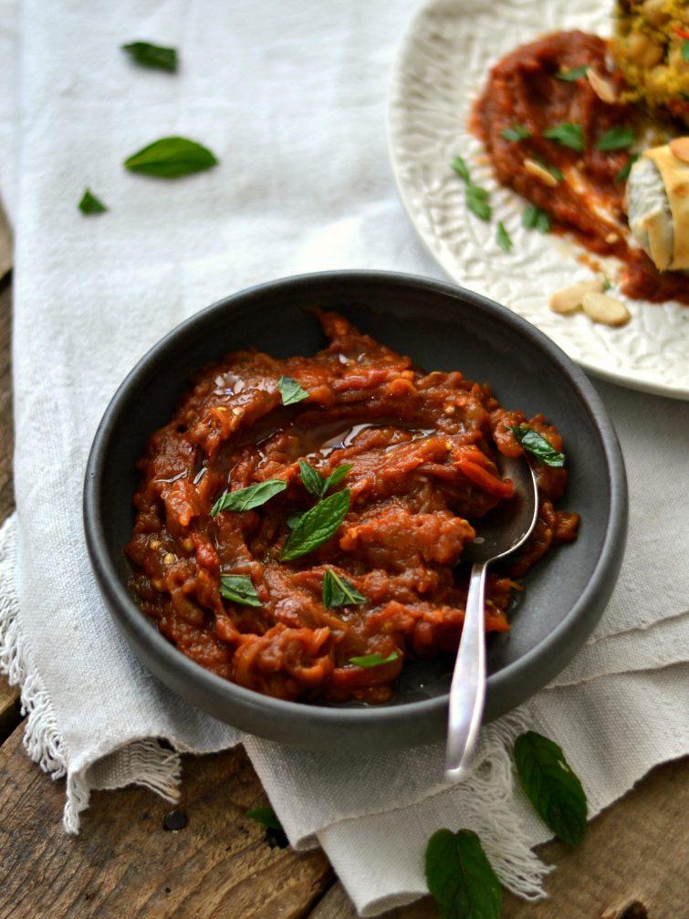 Molho de tomate e beringela